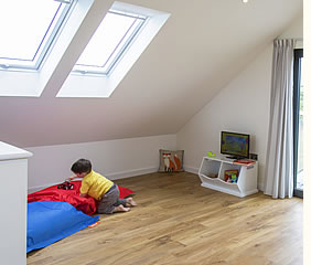 Ridgeway Park holiday cottage has a spacious lounge with children's area